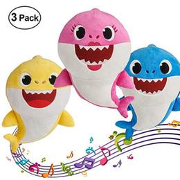 poupées bébé pas cher Promotion 12 '' BABY SHARK avec musique en peluche jouets 12inch 30CM StuffedPlush Poupées Requin Bébé Maman Papa Grand-Père Mémé Jeu Jouer Chansons Chansons pas cher