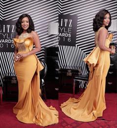 2019 vestido amarillo con cuentas Vestido de noche amarillo de fiesta de sirena amarillo 2019 Vestido formal de fiesta sobre falda Vestido de alfombra roja barata rebajas vestido amarillo con cuentas