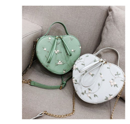 156d5731f6d7 Heart-shaped women s bags single shoulder slanting bag lace chain small bag  lace fashion trend Baitao 2018 new style