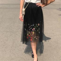 lange gefiederte röcke Rabatt Sweet Embroidered Galaxy Plissee Layered Tulle Eine Linie Lange Sommerröcke Feder Blumendruck Mesh Lange Faltenröcke