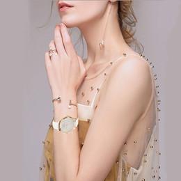 серебряные часы Скидка Zonmfei Women Watches Genuine Leather Silver Star Wristwatches Fashion high quality Ladies Dress Wristwatches with Gift Box Top