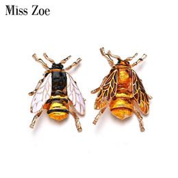 2019 perno dell'ombrello all'ingrosso 3 Stili Colorful Lustrini ape in metallo con insetti Spille a bavero Abiti da lavoro Cappotto distintivo Gioielli regalo per amici