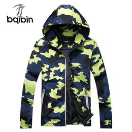 Длинная куртка колледжа онлайн-Summer Thin Camouflage Jacket For Men Classic Outerwear Spring 2019 New Hooded  Windbreaker Long Sleeve College Male Coat