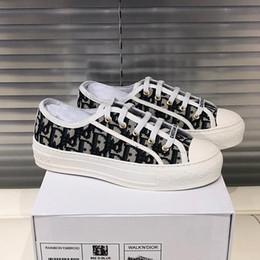 2019 название группы обувь 2019 высокое качество бренда мода женская повседневная обувь мода кружева дизайн ткани суперзвезда спортивные плоские туфли с оригинальной упаковке