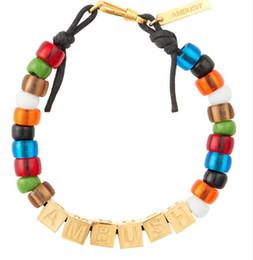 letras contas quadradas Desconto AMBUSH 925 Quadrado letras coloridas contas envidraçadas hip hop pulseiras de moda casais Exquisite caixa de embalagem