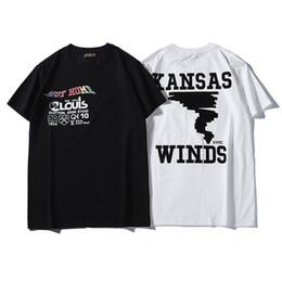 популярные футболки Скидка Мужская футболка Дизайнерский бренд Футболка Fashion Street Luxury Мужская одежда с короткими рукавами Популярные буквы Tornado Pattern Дышащие повседневные топы