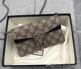 Bolsas de mano negras online-Ventas calientes de alta calidad de moda para mujer bolsos de diseño mujeres clásicas Mini bolsas de hombro Totes negro Mini bolsas de cadena con caja