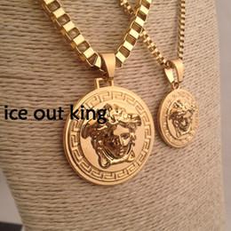 pietra ammonita Sconti Lusso Medusa Collane Circluar Uomo Lettera Stampata Oro Cirlce Designer Collana Pendenti di moda Hip Hop Regali rock