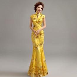 2019 vestido tradicional amarillo chino Ropa tradicional china para bodas vestido cheongsam en lentejuelas qipao vestidos para mujeres vestido tradicional chino personalizado amarillo vestido tradicional amarillo chino baratos