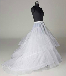Черная юбка выпускного платья онлайн-White or black Chapel Train Petticoats Woman 3Layers Tulle Underskirt Wedding Accessories Crinoline For Prom Evening