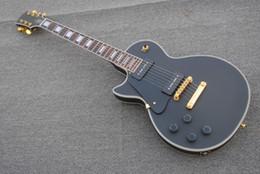 gitarre paul Rabatt Freies Verschiffen / chinesische gitarrengewohnheits linke Hand. 6-saitige E-Gitarre schwarze Farbe / Mahagoni Korpus / Mahagoni Griffbrett. Anpassbare.