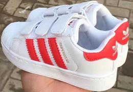 Zapatillas de correr online-2019 nuevo Shell Head boy girls Sneakers Superstar niños Kids Shoes new stan shoes fashion smith sneakers zapatillas de deporte de cuero zapatillas deportivas