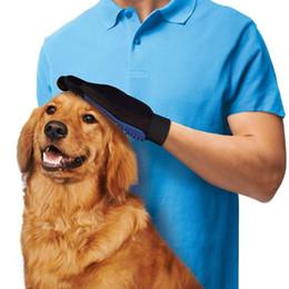 Capelli a mano sinistra online-Guanto per peli di animali domestici Pettine per gatti Grooming per pulizia guanto Deshedding Spazzola per depilazione sinistra destra Promuovere la circolazione sanguigna