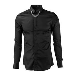 Argentina Moda-Nuevos hombres Camisa delgada de lujo Sólido Manga larga Ropa casual Personlity Collar de metal plateado Flores Camisas de moda cheap dan silver Suministro