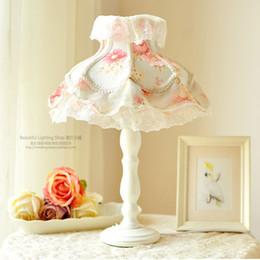 lâmpadas da sala da princesa Desconto Estilo europeu lâmpada de mesa de Renda lâmpada de mesa Princesa Quarto meninas quarto quarto de crianças pequena coreano tecido floral fresco