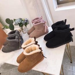 YENI Kadın 2019 Kış Kar Botları Moda Avustralya Klasik Kısa Yay çizmeler Kolye Dekorasyon BOYUTU 35-44 Ücretsiz Kargo cheap boots decorations nereden çizmeler dekorasyonlar tedarikçiler