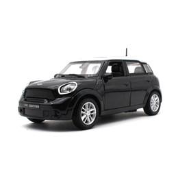 Carro de brinquedo de porta aberta on-line-1:32 crianças brinquedos Diecast modelo de carro BM mini pode abrir a porta modelo de carro de brinquedo material metálico coleção decoração