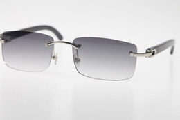 occhiali da sole firmati originali Sconti Vendita all'ingrosso occhiali high-end senza montatura nuovo corno bufalo nero occhiali da sole caldo genuino naturale 8200758 occhiali da sole occhiali da sole unisex