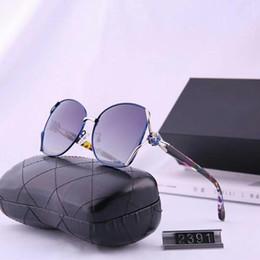 óculos de sol esportivos sexy Desconto Moda óculos de sol das mulheres Óculos de Sol Praia Adumbral Óculos UV400 2391 5 cores Altamente qualidade com Box
