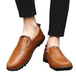 Eğlence Erkekler Iş Deri Ayakkabı Rahat Yuvarlak Ayak Bezelye Ayakkabı Erkek Takım Elbise düz sandalet kadın 2019 # G8 supplier pea suit nereden bezelye tedarikçiler