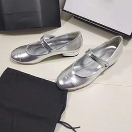 chunky sandálias de salto baixo Desconto Sliver Chunky Heel Sandálias Das Mulheres de Salto Baixo Fivela Sapatos de Couro Genuíno De Luxo Sandálias Casuais Primavera Mary Janes Sapato de Grife
