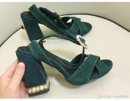 Sandalia de tacón azul marino online-Nuevas perlas de moda de verano sandalias de tacón grueso sandalias de mujer de tacón alto sandalias de correa cruzada sandalias de fiesta de boda zapatos dama rosa azul marino