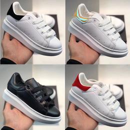 Veludo 12 on-line-Plataforma Crianças Clássico Sapatos Casuais Preto Branco Sapatos de Skate Velvet Heelback Vestido OVERSIZED EXTENSO ÚNICO Tênis Sneakers Blanche et Noir