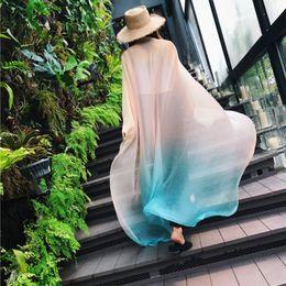 couvertures de bonbons classiques Promotion Foulard en mousseline de soie pour femmes de grande taille, de couleur dégradée, enveloppant le foulard de créateur en soie légère 170 x 145CM