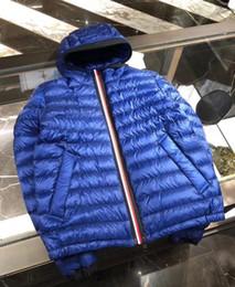 Molto cappotti invernali online-L'uomo Cappotto casuale sottile Piumino reale anatra giù all'interno incappucciato Hommes Manteau Molto buono migliore qualità 785