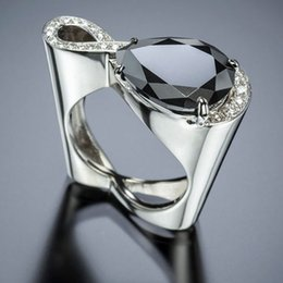2019 kristall infinity ringe Moderne 2019 Twist Infinity Kristall Frauen Ringe Big Black Water Drop Zirkon Stein Ehering Hohl Herz Silber Schmuck Z3M305 günstig kristall infinity ringe