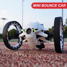 2020 juguetes flexibles Rc coche de rebote coche Peg Rh803 2 .4G juguetes a control remoto que salta con flexible ruedas rotación llevó la luz del coche del rc del regalo del robot juguetes flexibles baratos