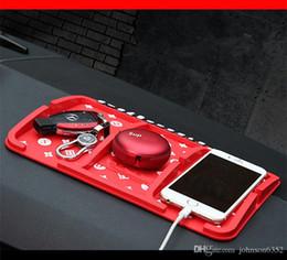 2019 soporte de tablero de silicona Multi-función de Marca Gadget de Coche Styling Sticky Gel Pad Accesorios Teléfono Titular de Lujo Tablero Mágico de Silicona Antideslizante Mat rebajas soporte de tablero de silicona