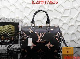 Женская сумка классическая небольшая серия модная горячая мама Lady Chain сумка элегантная объемная гофрированная женская сумка кожаная сумка 130 от