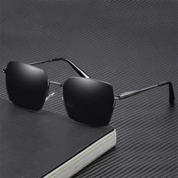 1588eb8ceb Gafas de sol de hombre Gafas de sol cuadradas polarizadas Gafas de diseño  de metal con receta Caja grande UV400 196 gafas graduadas gafas de sol  outlet