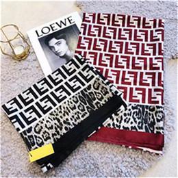 Deux serviettes en Ligne-Nouveau foulard en soie à imprimé léopard, grand foulard en soie, noir, imprimé léopard, serviette de plage bicolore au choix