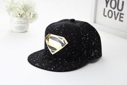 Superman chapéu preto on-line-Melhor venda chapéu de dança de rua tendência new black superman boné de beisebol par de metal de ferro liso hip hop casual chapéu
