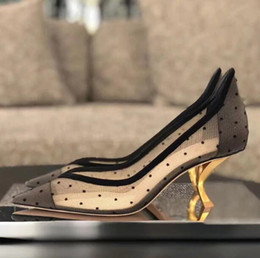 2019 stilettos púrpura del rhinestone Nuevo estilo de moda 6,5 cm de tacón alto dedo del pie acentuado para la plataforma de la novia novia de encaje zapatos de boda