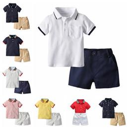 2019 baby boy tracksuits Boy designer Abbigliamento Set Estate Neonati Vestiti Pantaloncini Shorts Manica + Pantaloncini 2PCS Outfit Bambini Casual Tute boutiques abbigliamento baby boy tracksuits economici