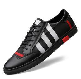 Moda design couro mens sapato on-line-2019 primavera outono Mens Loafers Homens Sapatos Casuais Moda Masculina xadrez Sapatos de Couro Genuíno Dos Homens Sapatos de Design de Couro Liso Para Homens 38-46