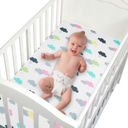 Deutschland 100% baumwolle Kinderbett Spannbetttuch Weiche Babybett Matratzenbezug Schutz Cartoon Neugeborenen Bettwäsche Für Kinderbett Größe 130 * 70 cm Versorgung