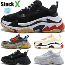 2019 filles coréennes lacer des chaussures décontractées Luxe Paris Triple S Hommes Femmes chaussures de papa occasionnels triple sneakers noir concepteur gris mens vintage blanc formateurs US 5.5-11