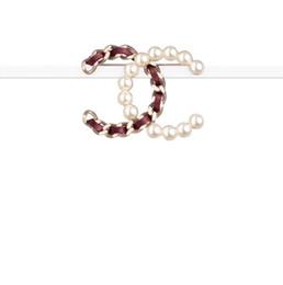 Brookes para mujer broche de perla esencia mitad perla en un lado con un super efecto excelente diseño simple y generoso hermoso 2019 nuevo desde fabricantes