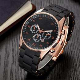 Relógios de marca de homens populares on-line-2019 Moda Popular Top Marca Esporte Dos Homens Relógios de Silicone Macio Banda Data Calendário Qualidade Japão Quartz Relógio de Pulso Relogio masculino