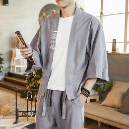 Uomini kimono neri rossi online-# 4388 Primavera Estate Sottile Kimono Giacca da uomo in cotone Lino Nero Grigio Rosso Allentato Retro Kimono Cappotto Maschile Ricamo Plus Size