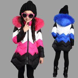 большие девочки на зимних куртках Скидка Розничные дети зимы пальто девушки роскошный дизайн зима хлопка-проложенный Теплая сгущать куртка вниз пальто большой девочки с капюшоном куртки пальто верхней одежды
