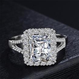 718c30f11979 Lujo 925 Anillos de Plata Hombres Mujeres Moda Anillos de Boda Cubic Zirconia  Gran Diamante Anillo de Compromiso Joyería de San Valentín Regalos de ...