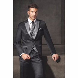 d6dd7e3f2d0 2018 New smoking satin Peak Lapel Groom Tuxedo men Wedding Dinner Suits  Best 3 pieces Man Bridegroom suit (Jacket+Pants+Vest)