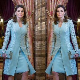 Vestido elegante ao ar livre on-line-2019 elegante Mãe exterior da noiva vestidos de ternos Curto Two Piece azul manga comprida noivo Mãe Dress For Wedding Lace árabe vestido de noite