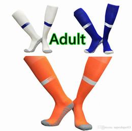 Красные синие футбольные команды онлайн-2020 Mens взрослых Футбол носки 19 20 Команда Настройка Длинные носки противоскользящие Футбол Спорт Носки Черный Белый Красный Синий Синий Желтый