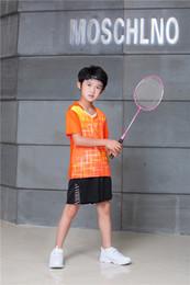 2019 nomes de equipe laranja Novo conjunto de badminton de basquete de futebol para crianças de manga curta conjunto de tênis de mesa de manga curta jogo da equipe nome personalizado, número 9906 orange desconto nomes de equipe laranja